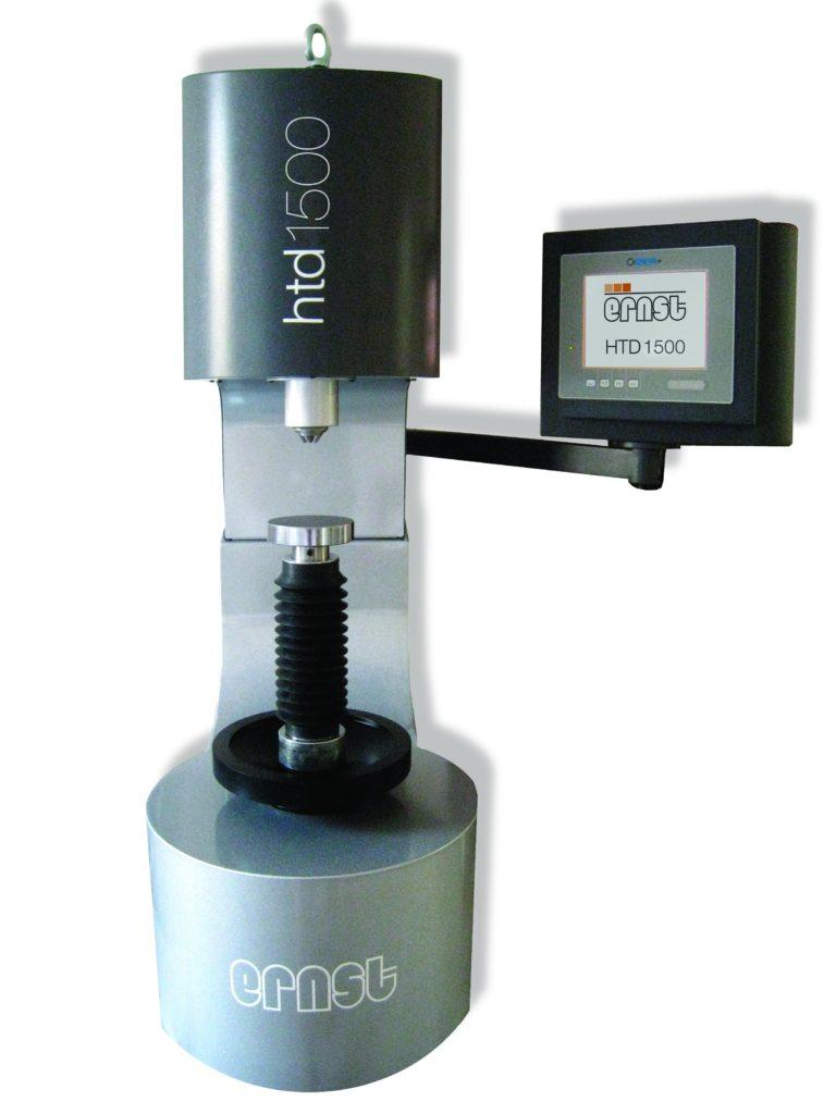 Machine d'essais pour mesure d'épaisseur de couches trempées